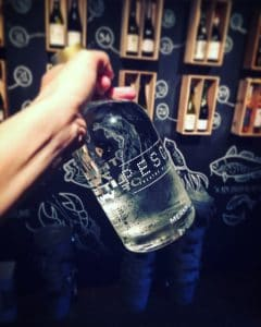 MADE BLUE flessen water in mooie emmers bij PESCA Amsterdam