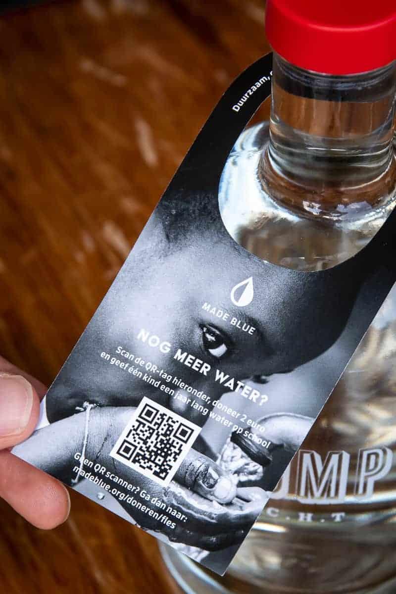 Flessenhangers met QR-code - MADE BLUE - horeca - tafelwater, water, bronwater, mineraalwater