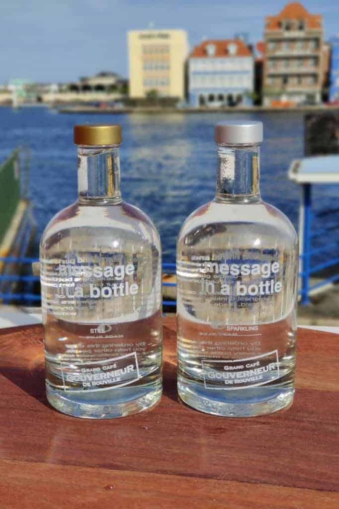 De Gouverneur op Curacao serveert het beste water voor de wereld: MADE BLUE